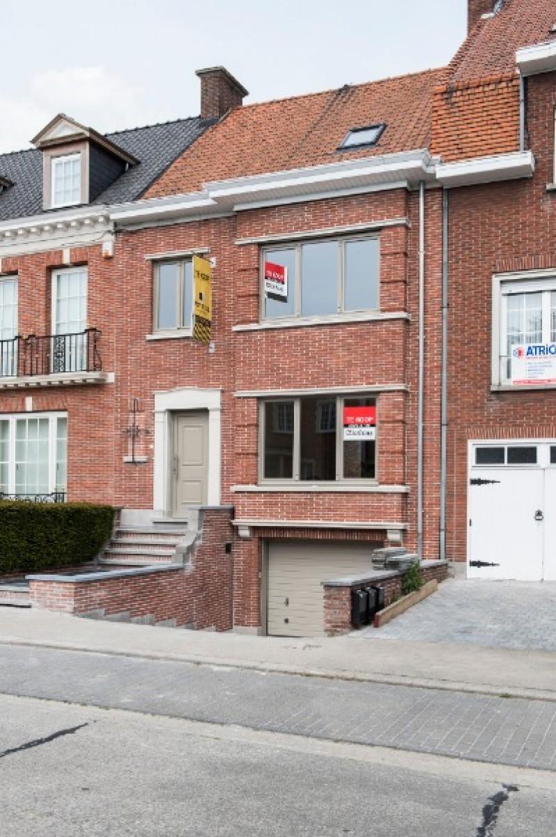 Statige burgerwoning met stadstuin te Kortrijk