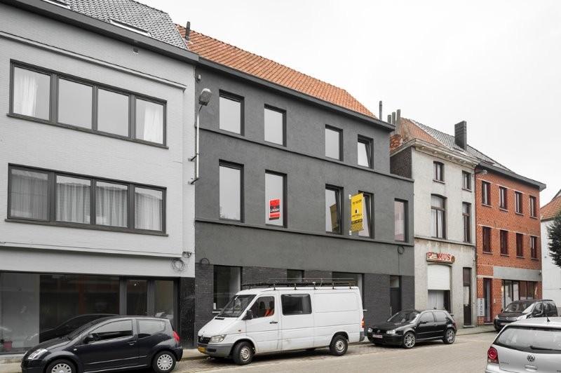 Voormalige beenhouwerij wordt omgevormd tot 2 trendy stadswoningen in Gent