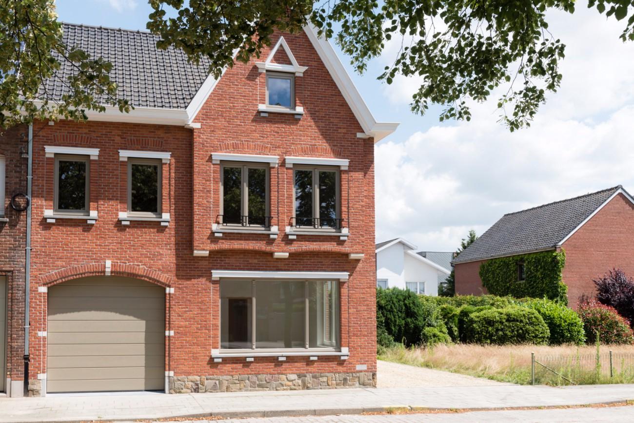 Uniek renovatieproject van een karaktervolle burgerwoning for Huizen te koop roeselare