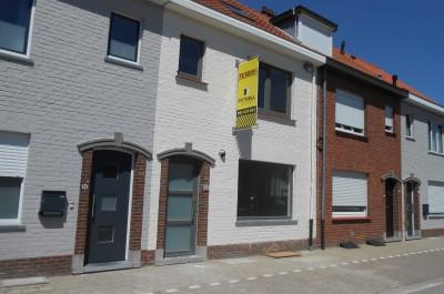 Woning met garage in rustige woonwijk te Roeselare