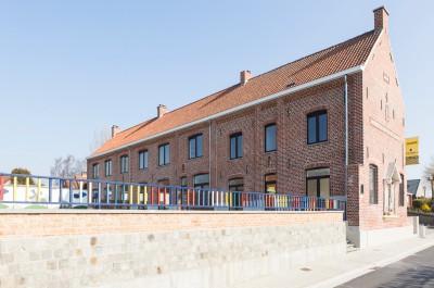 4 karaktervolle woningen in voormalig schoolgebouw Gits