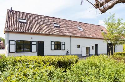 Twee karaktervolle woningen met tuin te Sint-Kruis
