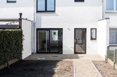 Instapklare woning met uitweg nabij het centrum van Brugge