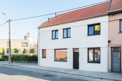 Woning met stadsterras in het centrum van Tielt