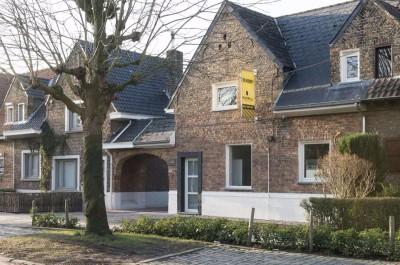 Woning met uitweg in rustige buurt te Roeselare